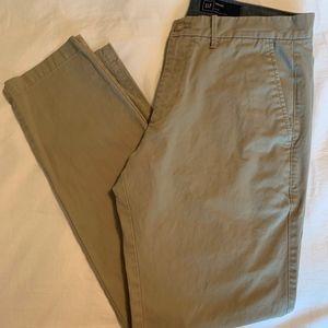 Gap Men's Slim Cut Khakis sz 34x32